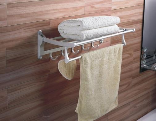 浴室挂件是太空铝好还是不锈钢好?