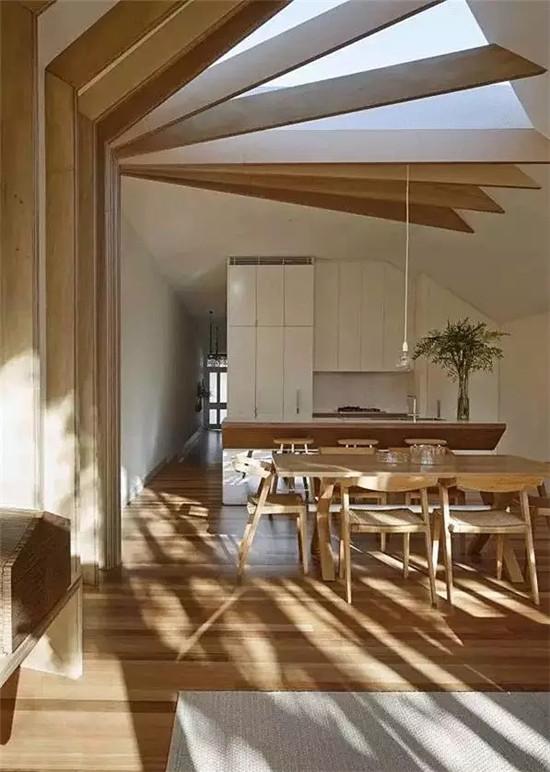板材拼接,原木做吊顶,别致的造型,处处彰显文艺范儿.