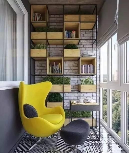 这个封闭式阳台用六边形的瓷砖真的很美,为你的阳台设计加分不少.图片