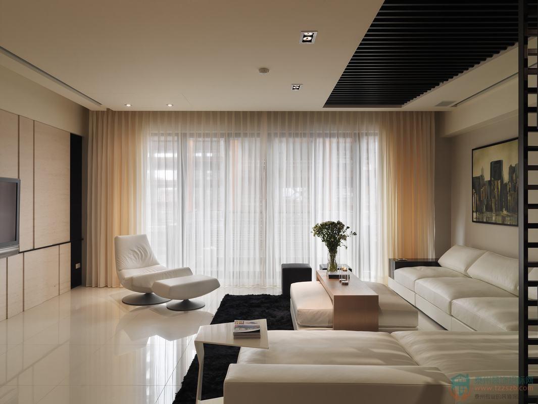 阳台在客厅好还是卧室好?阳台装修时有哪些注意事项?